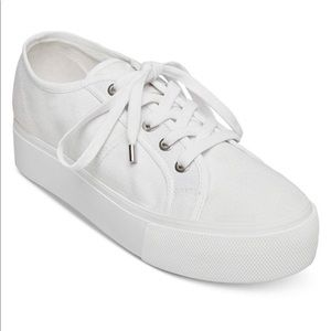 White Sneakers - Steve Madden Platform Emmi